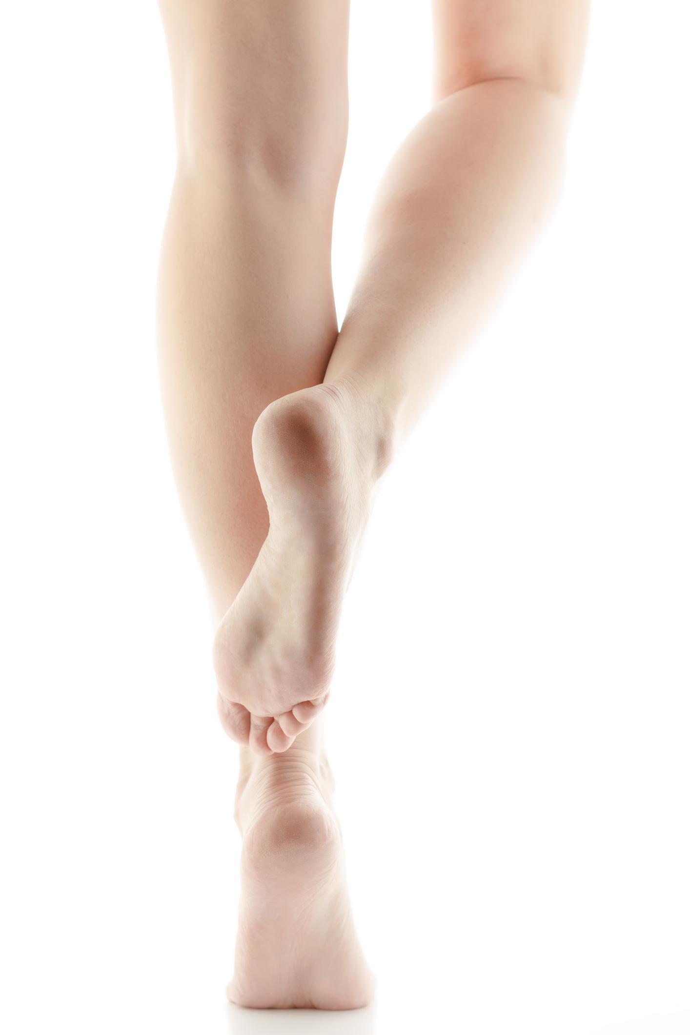 causas de dolor punzante en las piernas