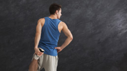 Cómo estirar la espalda correctamente: Estiramiento del muslo
