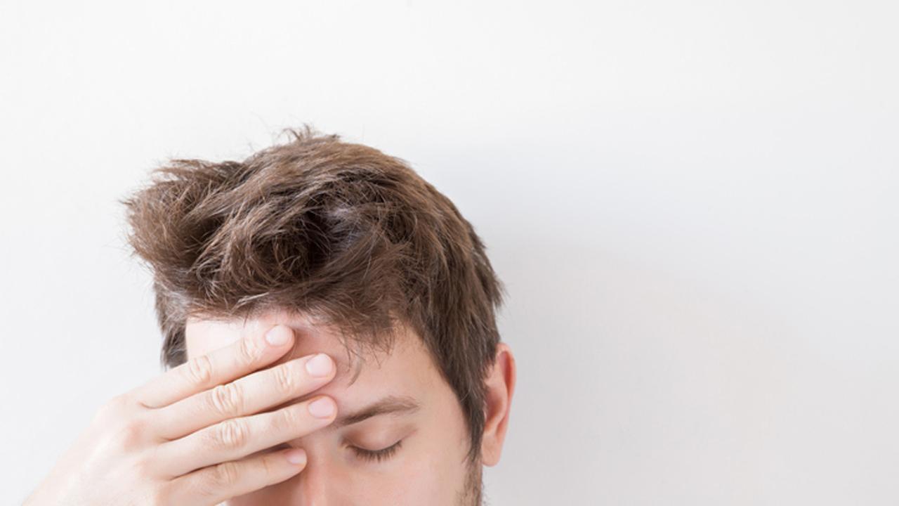 golpe en la cabeza dolor de cabeza