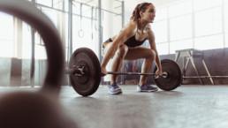 Cómo ejecutar el peso muerto correctamente, paso a paso