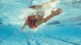 Cómo nadar bien a crol paso a paso