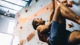 Iniciación a la escalada: Cómo empezar a escalar en rocódromo