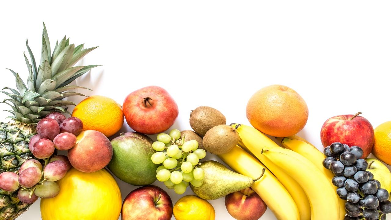 Por que es malo comer frutas en la noche