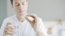 Automedicarse Riesgos y consecuencias