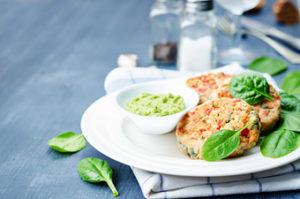 Recetas de primavera muy fáciles y rápidas de preparar. Hamburguesa de salmón