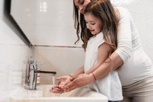 Evita el contagio de coronavirus lavándote las manos frecuentemente