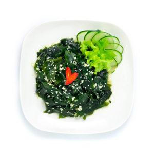 Ensalada de algas wakame. Recetas fáciles y saludables. Con cebolla