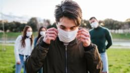Casos COVID-19 graves aumentan en jovenes