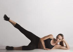 Ejercicios para estirar y fortalecer los flexores de la cadera. Separación de cadera