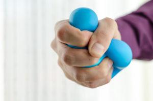 Los mejores ejercicios para fortaceler las manos fuerza de agarre