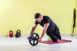 Top ejercicios con rueda abdominal. Oblicuos