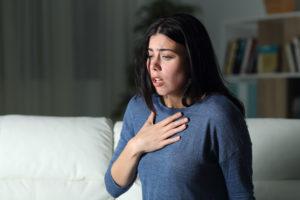 asma y covid factor de riesgo menor