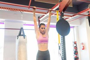 Los mejores ejercicios para fortalecer las manos. Dominadas
