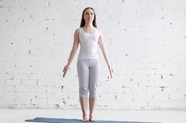 Yoga Iyengar para principiantes. Tadasana