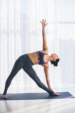 Yoga Iyengar para principiantes. Utthita Trikonasana