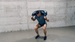 Rutina de ejercicios con saco búlgaro