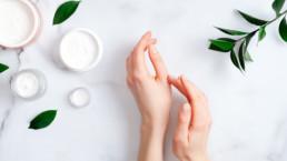 Cómo hidratar la piel seca naturalmente