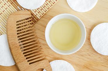 Cómo eliminar caspa con remedios caseros