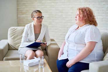 Paciente en consulta médica por obesidad