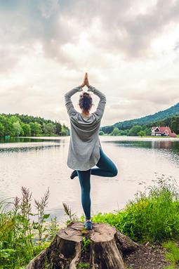 La medicina india aconseja practicar yoga